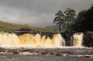 Bei den Aasleagh Waterfalls